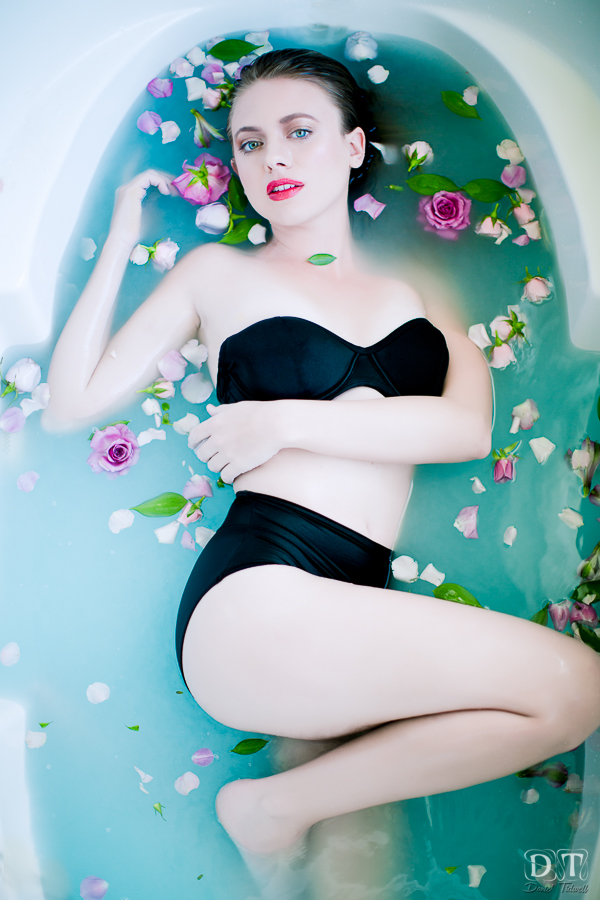 bathtub photo shoot