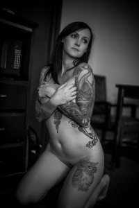 black-and-white-tattoo-boudoir-los-angeles-donte-tidwell-photo