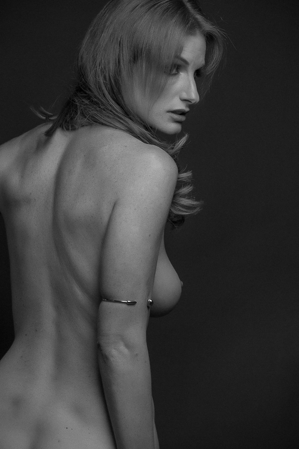 los-angeles-black and white nude boudoir-wedding-photography-donte-tidwell-photo-14.jpg