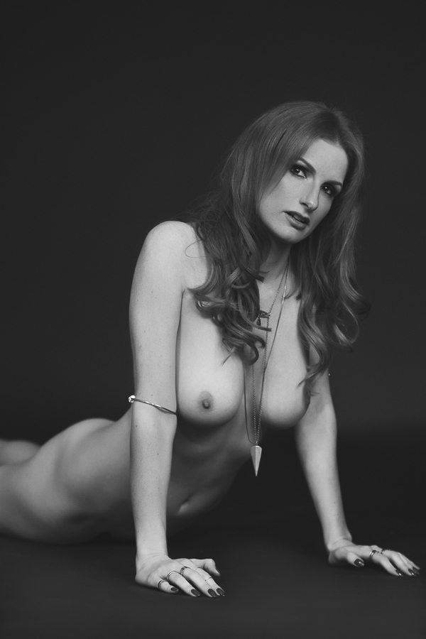 los-angeles-black and white nude boudoir-wedding-photography-donte-tidwell-photo-19.jpg