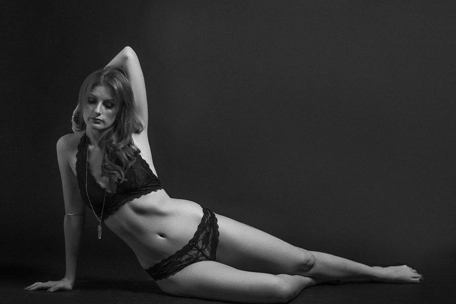 los-angeles-black and white nude boudoir-wedding-photography-donte-tidwell-photo-5.jpg