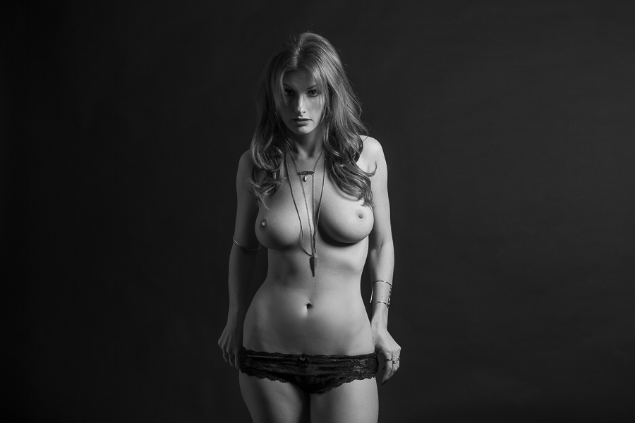los-angeles-black and white nude boudoir-wedding-photography-donte-tidwell-photo-7.jpg