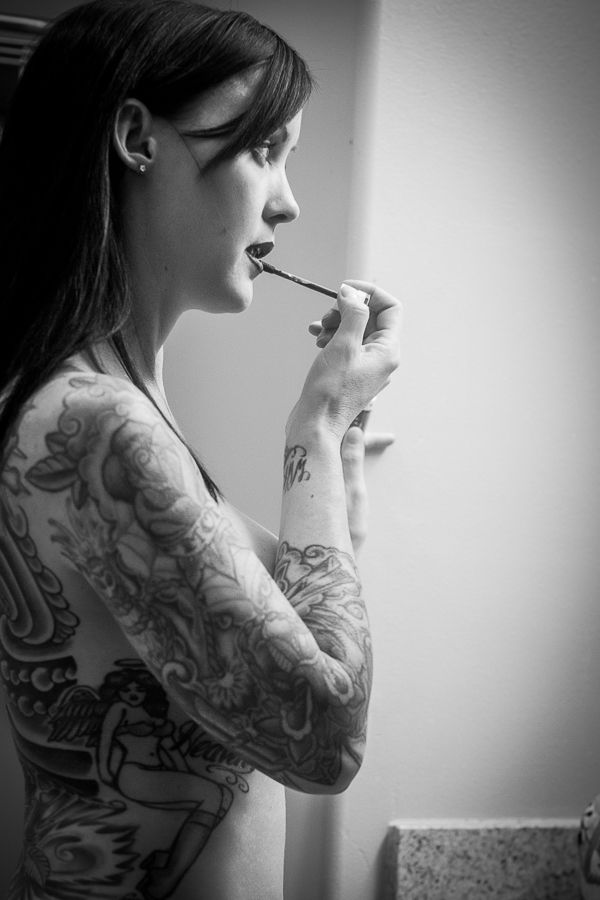 black-and-white-tattoo-boudoir-donte-tidwell-los-angeels-photo-4.jpg