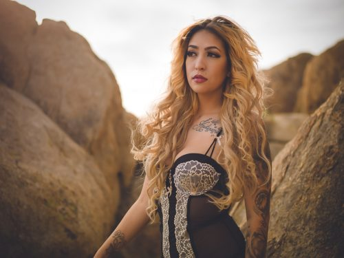 Desert-Outdoor-Boudoir-donte-tidwell-los-angeles