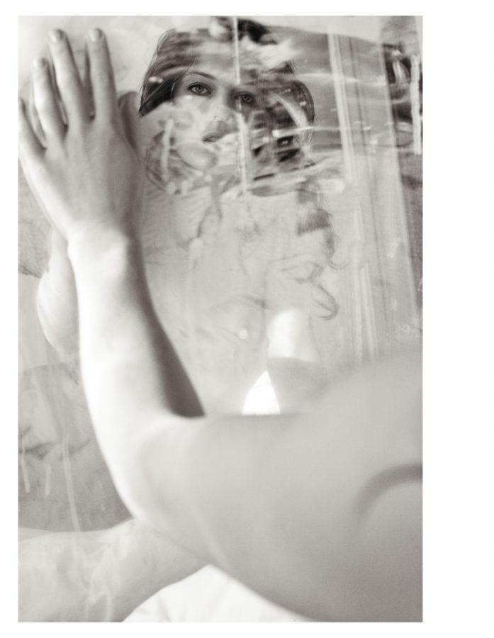milla-jovovich-by-mario-sorrenti-purple-fashion-magazine-2009-0