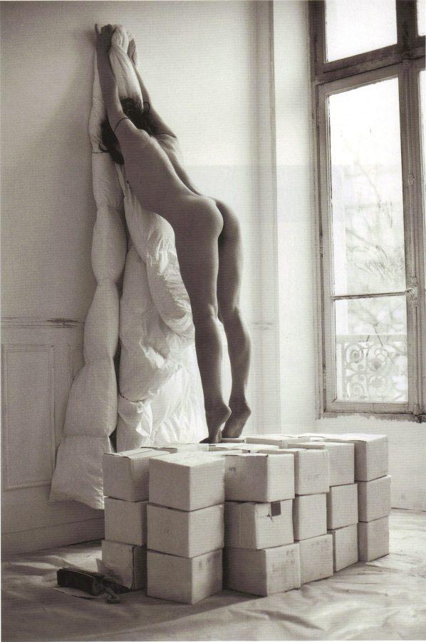 milla-jovovich-by-mario-sorrenti-purple-fashion-magazine-2009-5