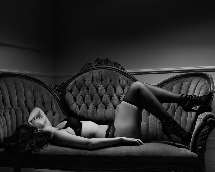los-angeles-black-and-white-boudoir-photography-donte-tidwell